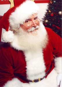800px-Jonathan_G_Meath_portrays_Santa_Claus